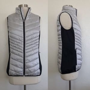 Xersion Silver & Black Zip Up Puffer Vest Size Med